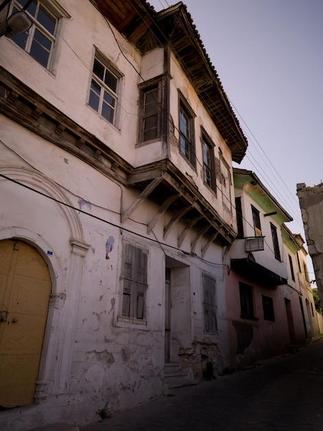 Exterior, de, edifícios, em, kusadasi, peru Foto Premium
