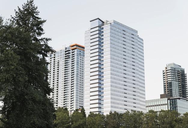 Exteriores de edifícios de apartamento modernos Foto Premium