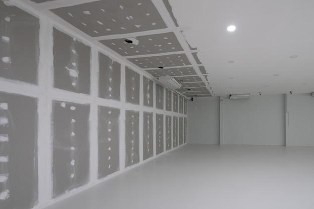 Fábrica vazia durante decorar interior Foto Premium