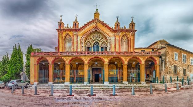 Fachada do mosteiro de cimiez, nice, costa azul, frança Foto Premium