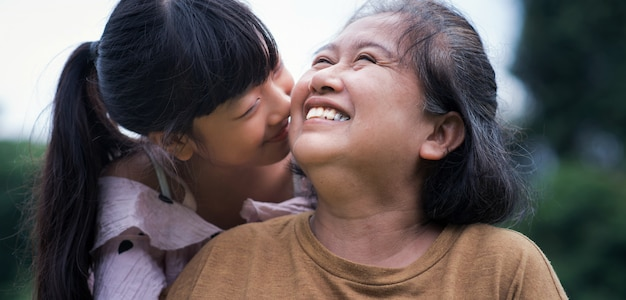 Família. avó feliz. sênior Foto Premium