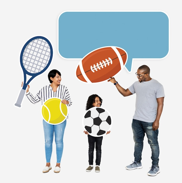 Família feliz com ícones do esporte Foto gratuita
