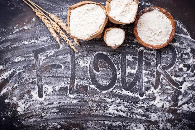 Farinha de trigo seca e seca Foto Premium