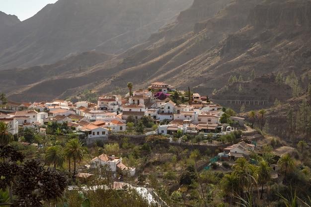 Fataga, uma aldeia de montanha em gran canaria, ilhas canarias, espanha Foto Premium