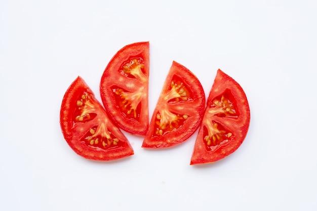 Fatia de tomate isolada no branco Foto Premium