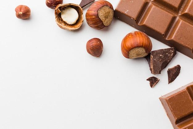 Fechar castanhas com chocolate Foto gratuita