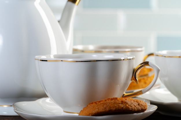 Fechar foto de louça de porcelana para chá Foto Premium