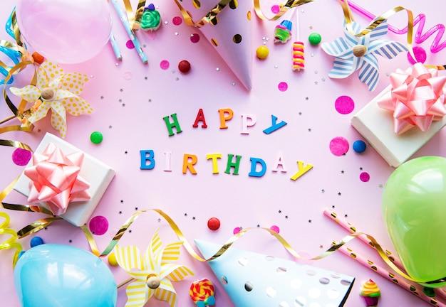 Feliz aniversário fundo rosa Foto Premium