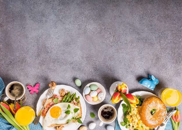 Férias de páscoa pequeno-almoço plano leigos Foto Premium