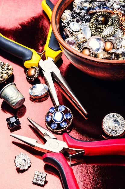 Ferramentas e acessórios para fabricação de jóias Foto Premium