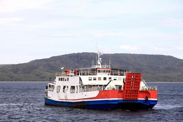 Ferry de passageiros Foto Premium