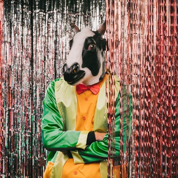 Festa de carnaval com tema de disfarce de mistério Foto gratuita