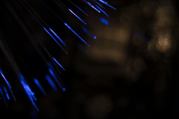 Fibra óptica com luz azul Foto gratuita