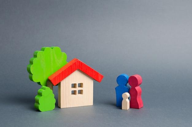 Figuras da família e da casa Foto Premium