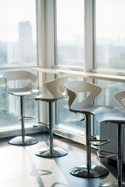 Fila, de, vazio, cadeiras, em, escritório Foto gratuita