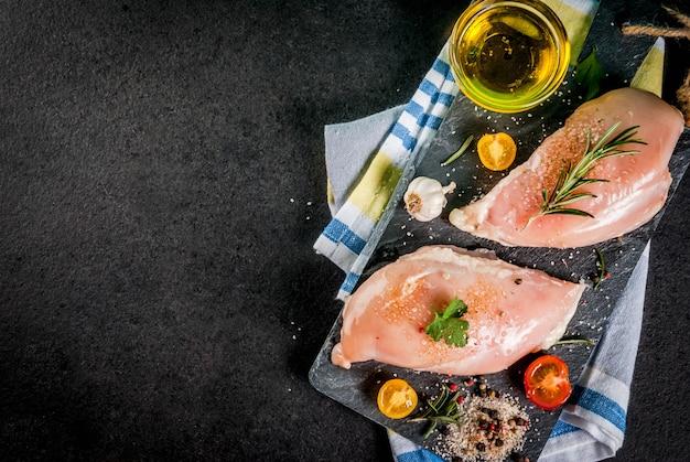 Filé de peito de frango cru Foto Premium