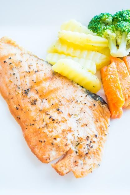 Filé de salmão Foto gratuita