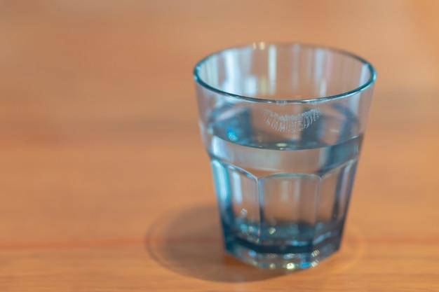 Fim, cima, batom, copo, água, mulher, bebida, madeira, tabela Foto Premium