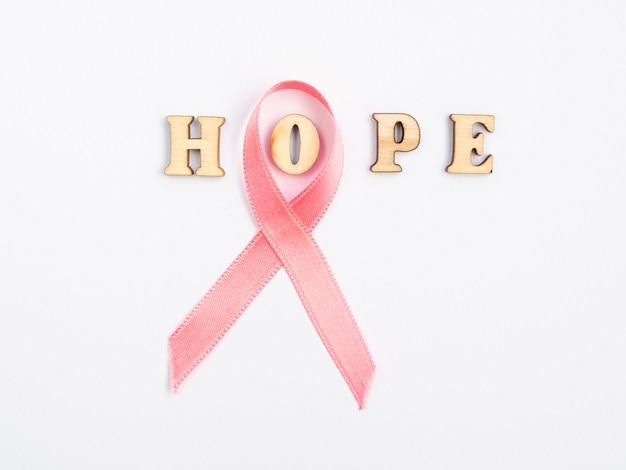 Fita rosa, expressando a conscientização do câncer de mama Foto gratuita