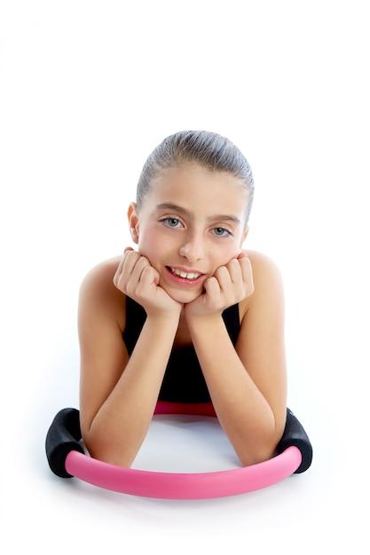 Fitness pilates yoga ring kid menina exercício treino Foto Premium
