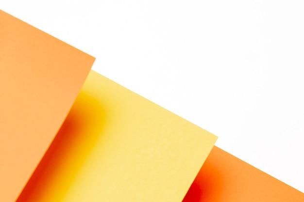 Flat lay padrão de tons de laranja com espaço de cópia Foto gratuita