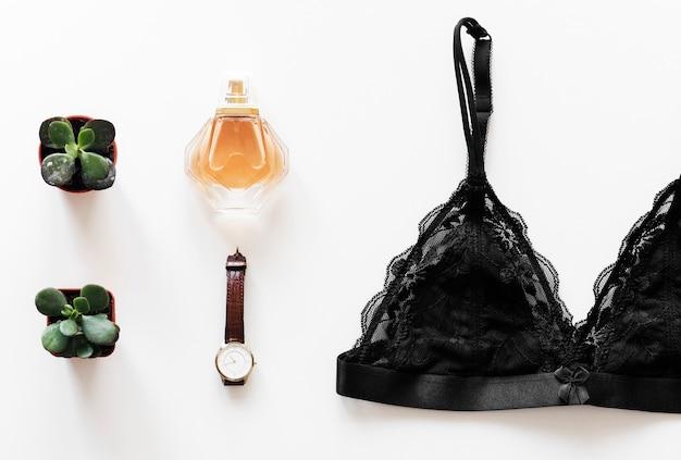 Flat leiga de mulher cosmética isolada Foto gratuita