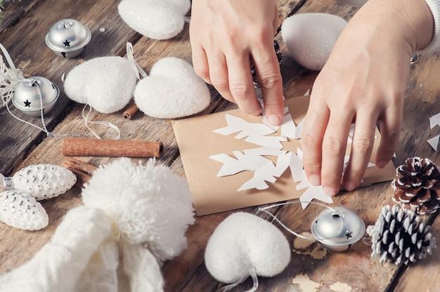 Floco de neve de corte para decoração de natal Foto Premium