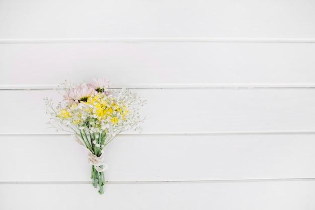 Flores selvagens em buquê Foto gratuita