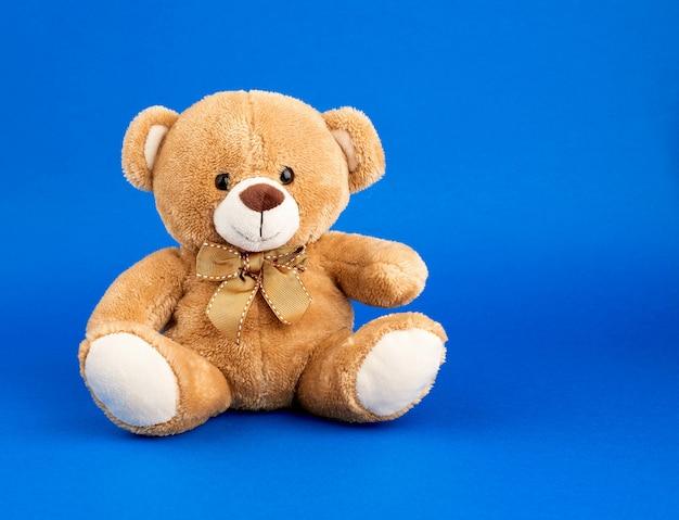 Fofo ursinho marrom, cópia espaço Foto Premium