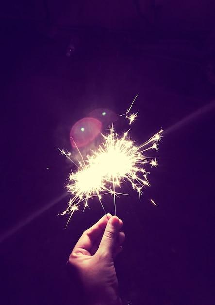Fogo de bengala fogo de artifício festiva Foto gratuita