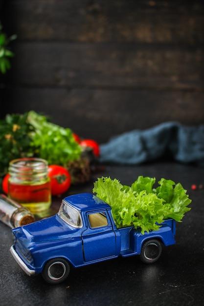 Folhas de alface, salada saudável de legumes Foto Premium