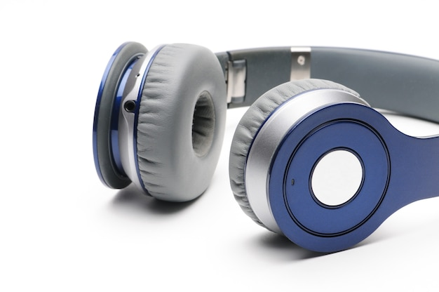 Fones de ouvido modernos azuis e prateados para ouvir música Foto Premium