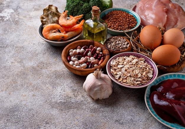 Fontes de produtos saudáveis de selênio. Foto Premium