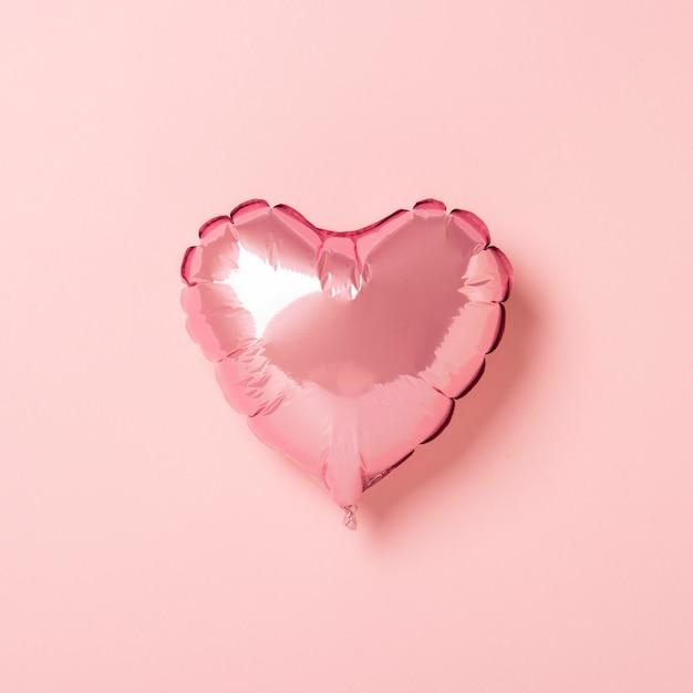Forma de coração de balão de ar rosa Foto Premium