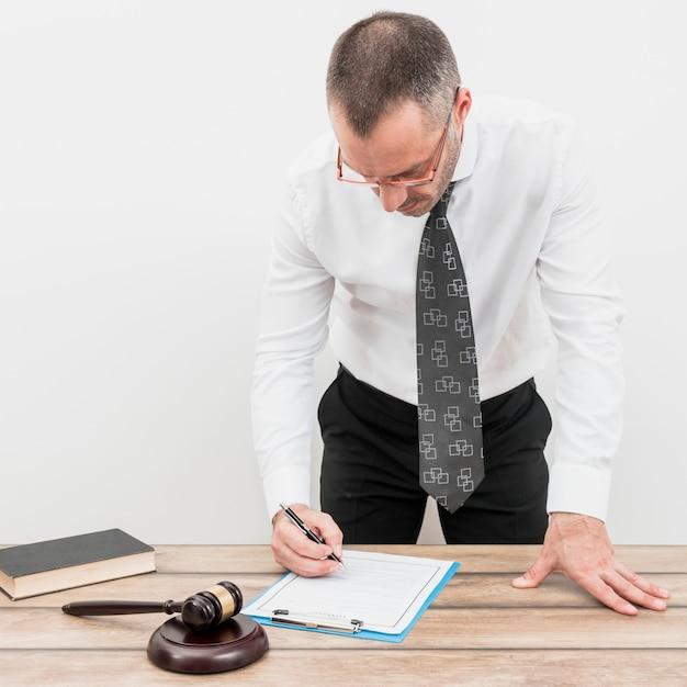 Formulário de preenchimento de advogado Foto gratuita