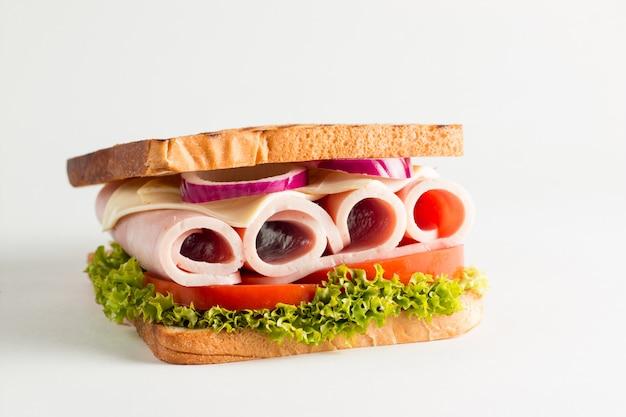 Foto de close-up de um sanduíche de clube. Foto Premium