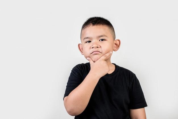 Foto engraçada do estúdio do menino do retrato Foto gratuita