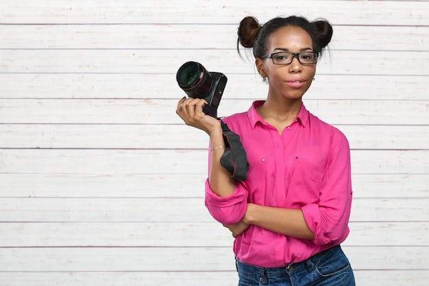 Fotógrafo americano africano Foto Premium