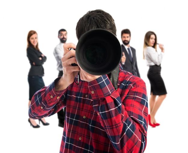 Fotógrafo pegando uma foto Foto Premium