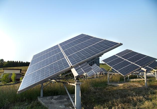 Fotovoltaica na energia da central solar natural. Foto gratuita