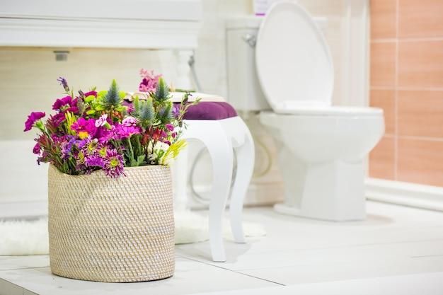 Fragmento de um banheiro de luxo Foto Premium