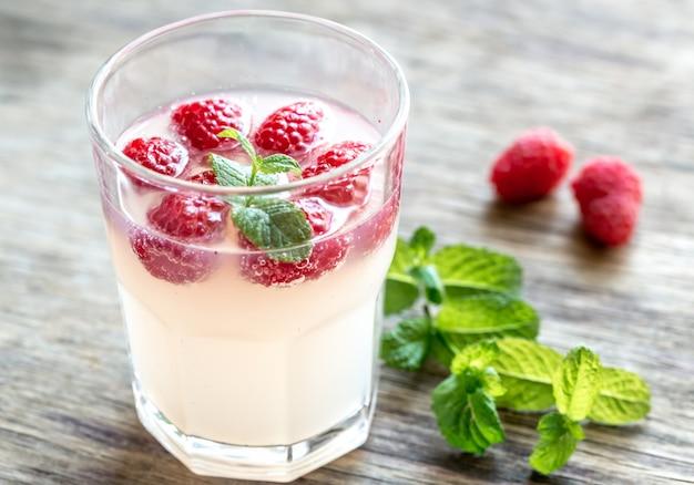 Framboesa espumante - cocktail limoncello Foto Premium