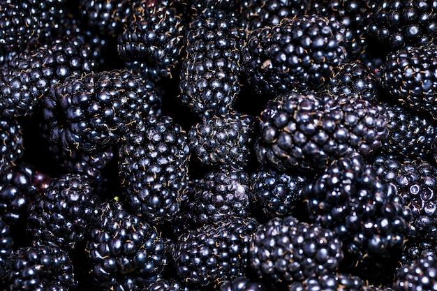 Framboesa orgânica e nutritiva no mercado Foto gratuita