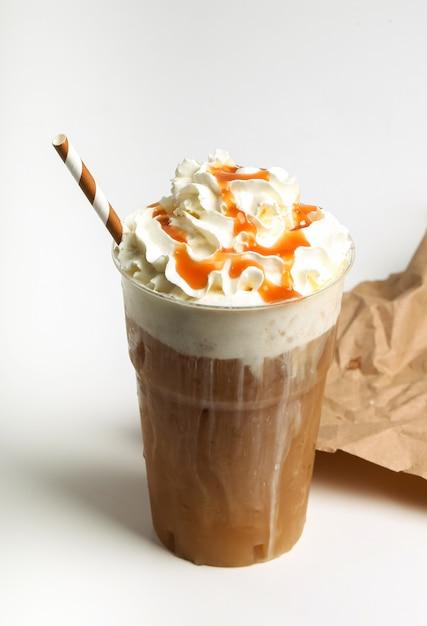 Frappe café em branco Foto gratuita