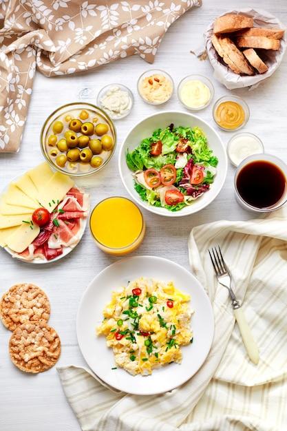 Freshl mesa de café da manhã. comida saudável. vista do topo. Foto Premium