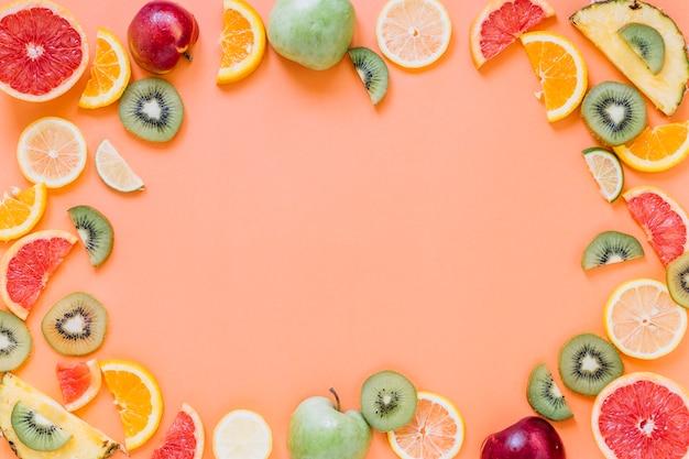 Fronteira de frutas frescas Foto gratuita