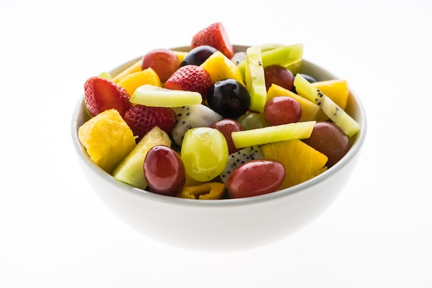 Fruta misturada em chapa branca Foto gratuita