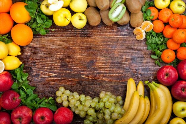 Frutas e legumes saborosos e saudáveis Foto Premium