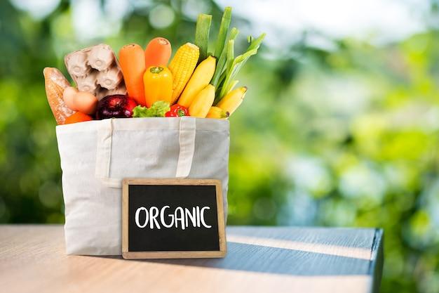 Frutas e vegetais de mercearia orgânica saudável delicious Foto Premium