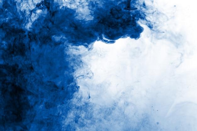 Fumo azul abstrato fluiu fundo Foto Premium